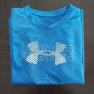 Boys under armour tshirt